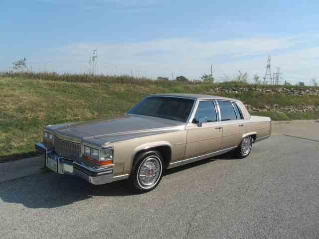 1986 Cadillac Fleetwood Brougham | 1022315