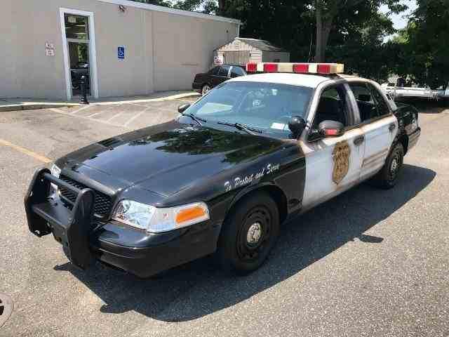 2004 Ford Crown Victoria | 1022503