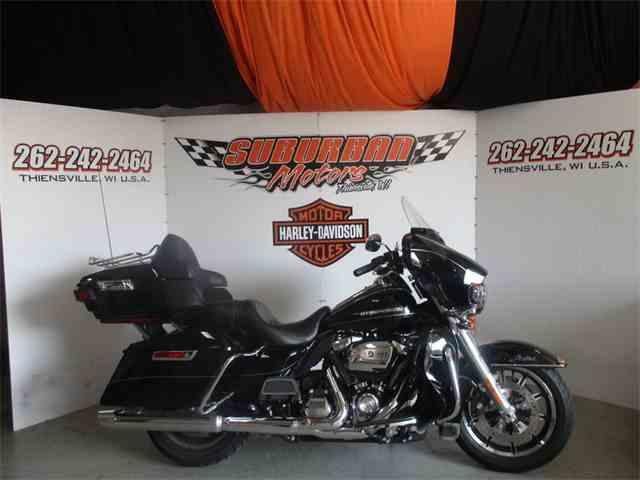 2017 Harley-Davidson® FLHTK - Ultra Limited | 1022572