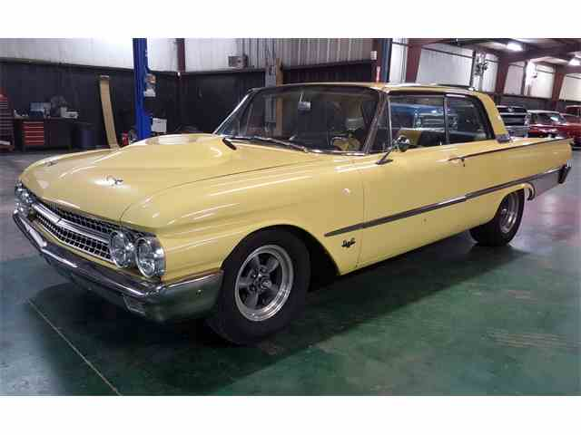 1961 Ford Galaxie | 1022723