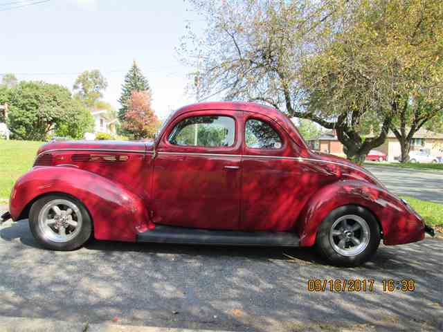 1938 Ford Deluxe Coupe | 1022898