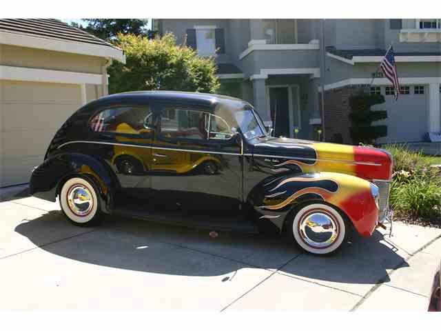 1940 Ford Sedan | 1020310