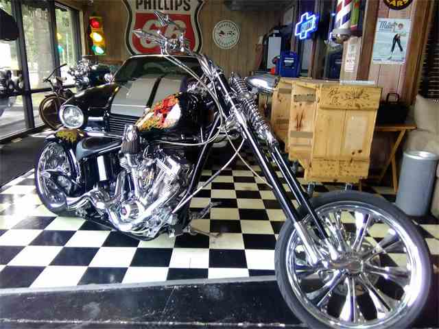 2013 Custom Motorcycle | 1023342