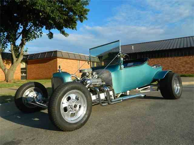 1928 Ford T-Bucket | 1023707