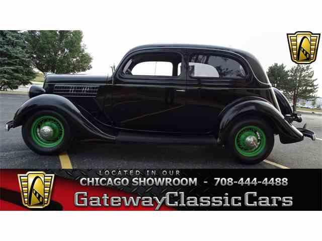 1935 Ford Sedan | 1023934