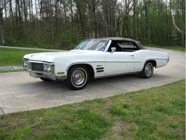 classic buick wildcat for sale on 10 available. Black Bedroom Furniture Sets. Home Design Ideas