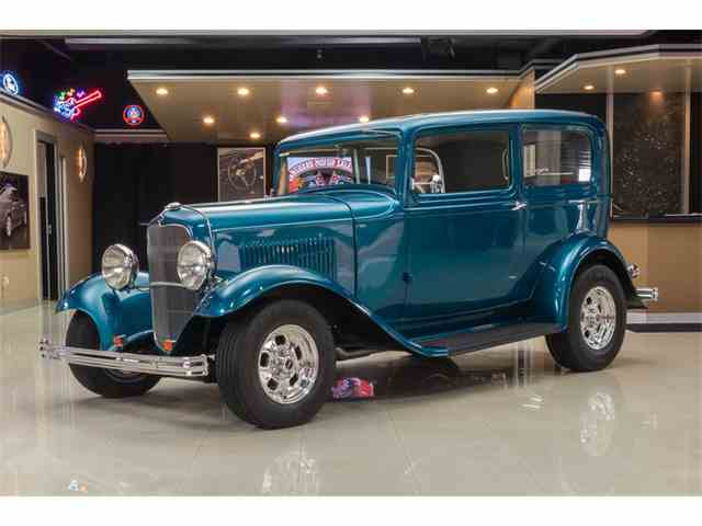 1932 Ford Tudor Sedan Street Rod | 1020403
