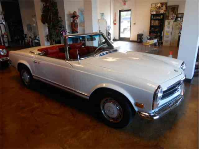 Picture of Classic 1965 Mercedes-Benz 230SL located in Conroe TEXAS Offered by Monaco Luxury - LYAH