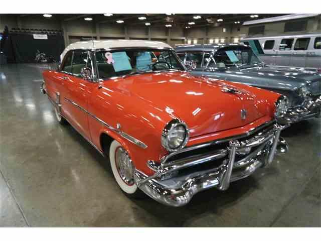 1953 Ford Crestliner | 1024637