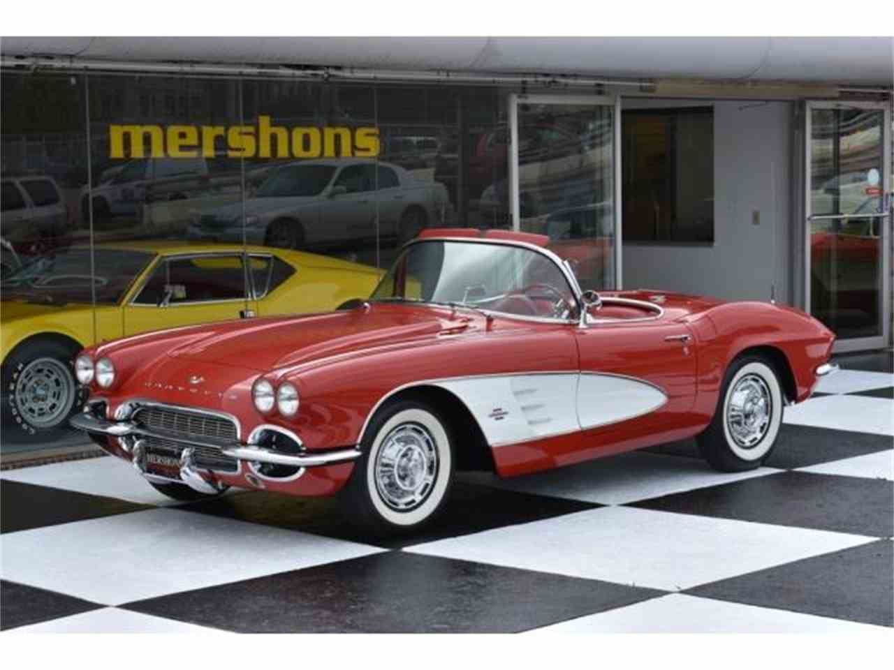 Large Picture of '61 Corvette - LVEN