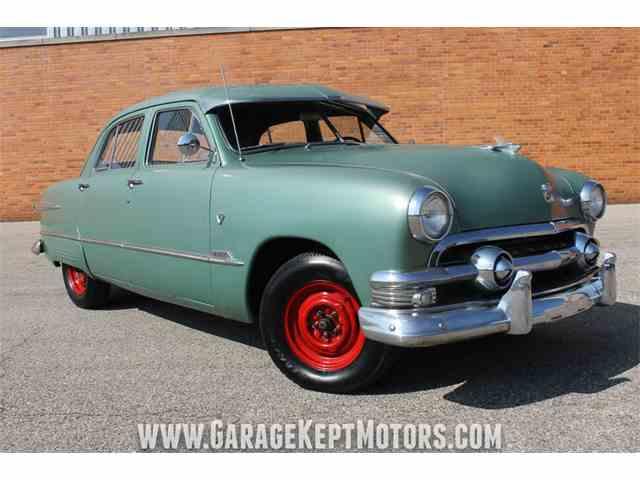 1951 Ford Custom Deluxe | 1024929