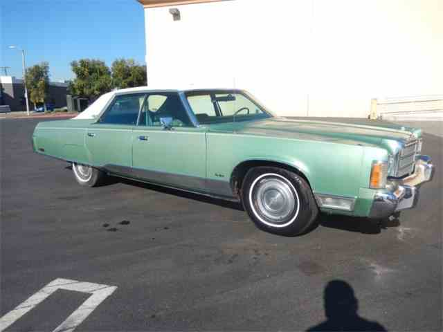 1975 Chrysler New Yorker | 1025231