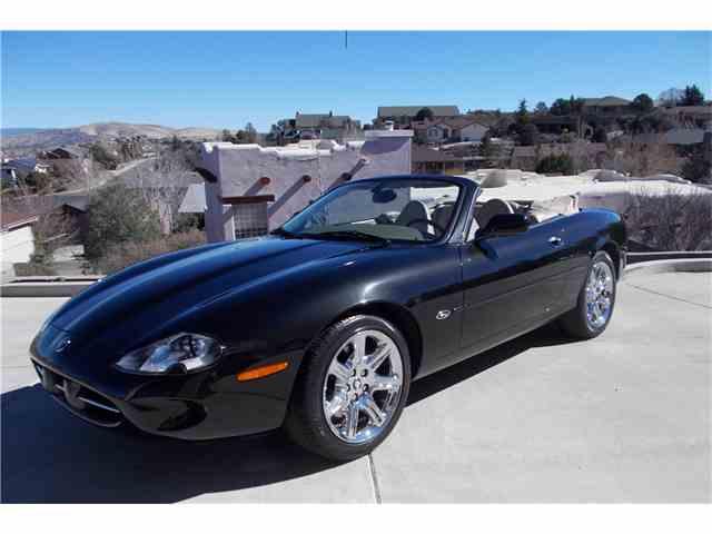2000 Jaguar XK8 | 1025508