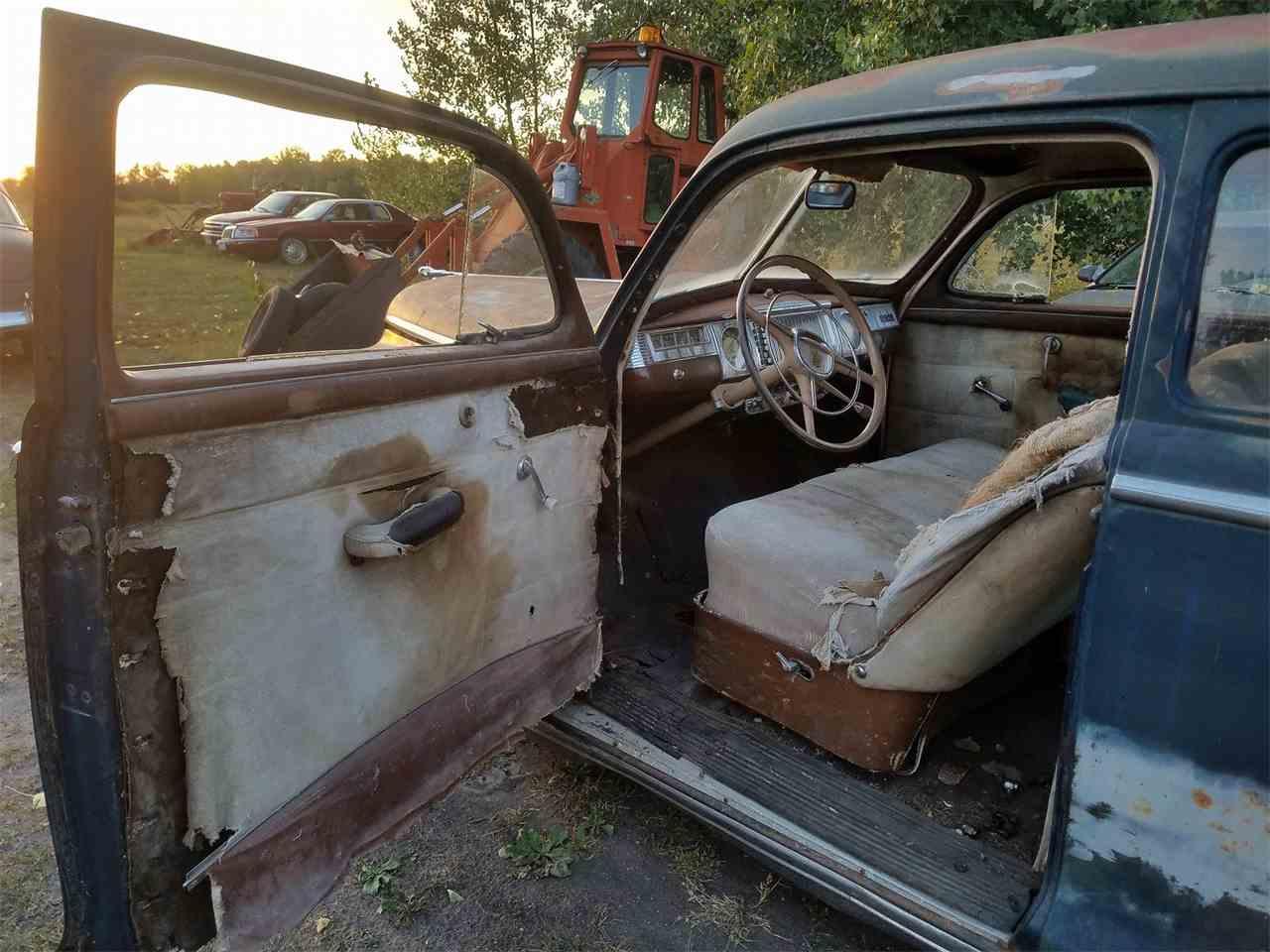 Large Picture of '47 Sedan - LVIO
