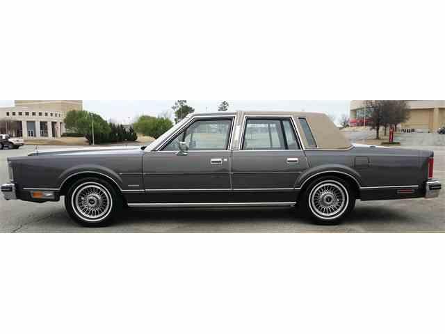1982 Lincoln Town Car | 1020630