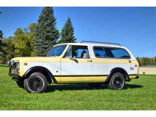 Picture of '77 Travelall - M012