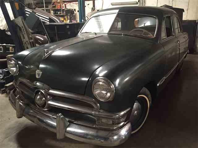 1951 Ford Sedan | 1020659