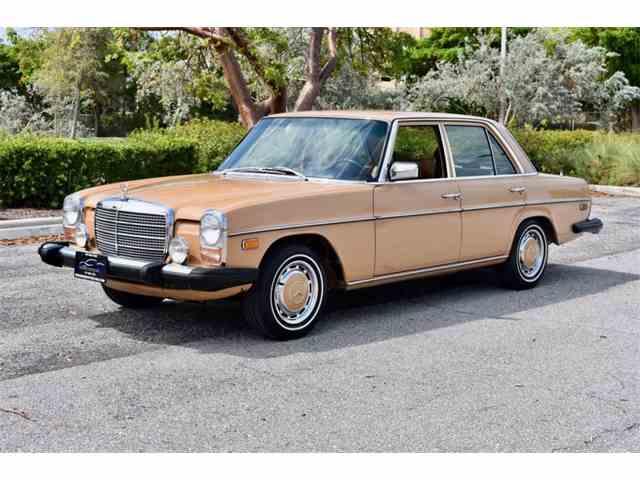1975 Mercedes-Benz 300D | 1026779