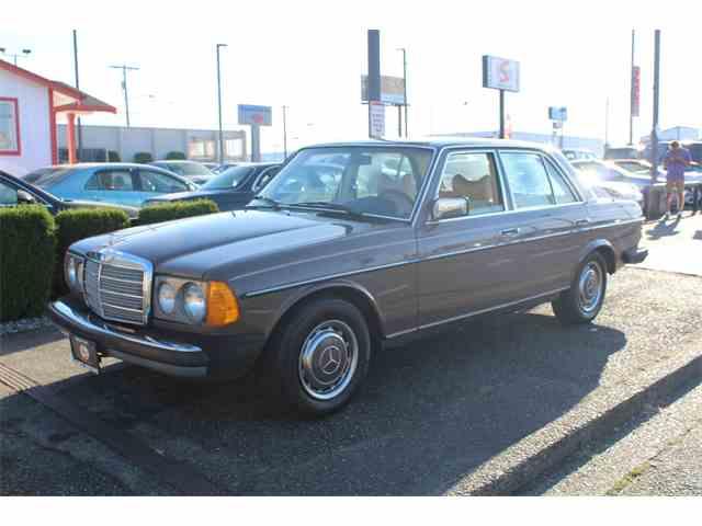 1977 Mercedes-Benz 240D   1026782