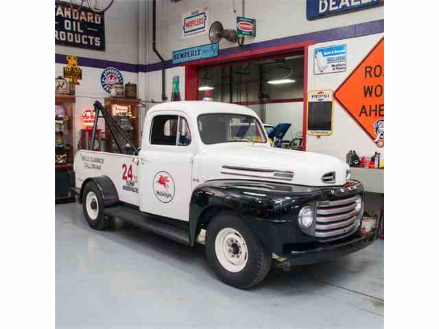1949 Ford Tow Truck | 1020703