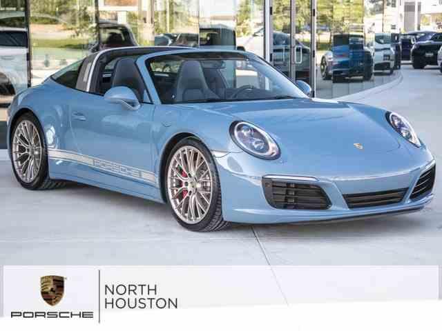 2017 Porsche 911 | 1027244