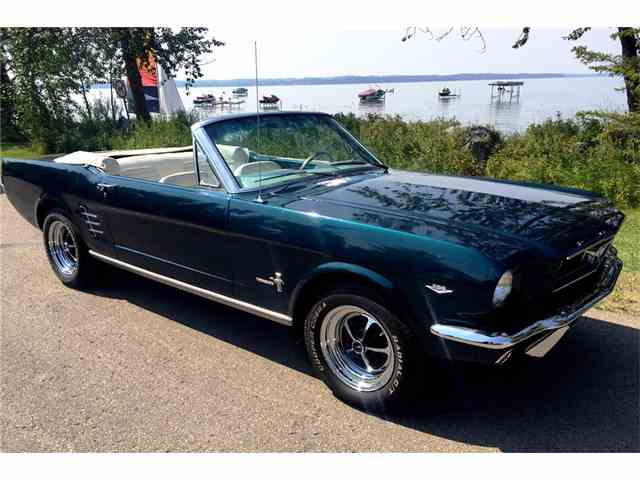 1966 Ford Mustang   1027404