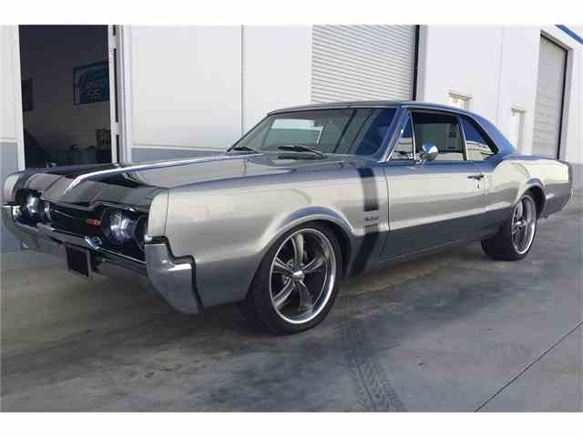 1967 Oldsmobile Cutlass | 1027422
