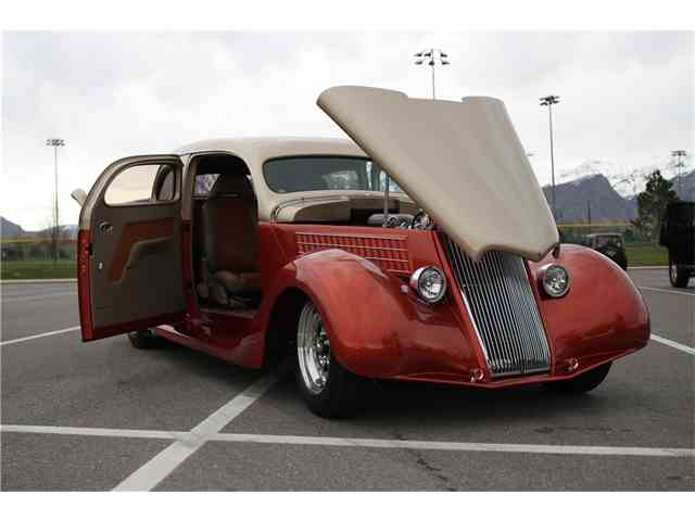 1935 Ford 1 Ton Flatbed | 1027455