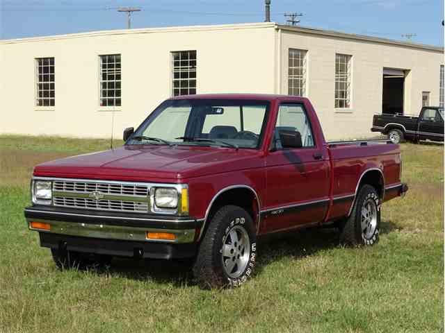 1992 Chevrolet S10 Tahoe   1027986