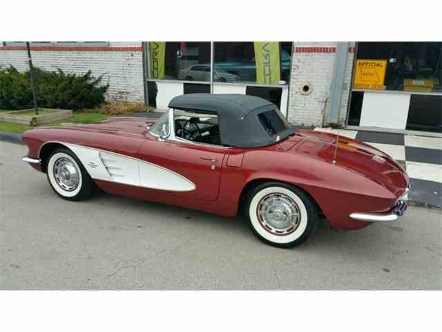 1961 Chevrolet Corvette | 1028203