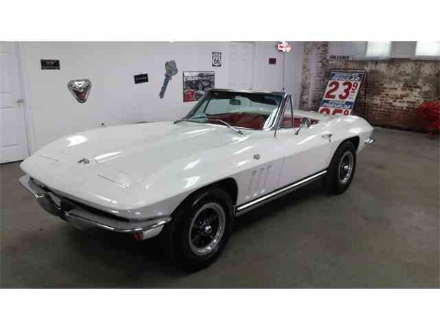 1965 Chevrolet Corvette | 1028205