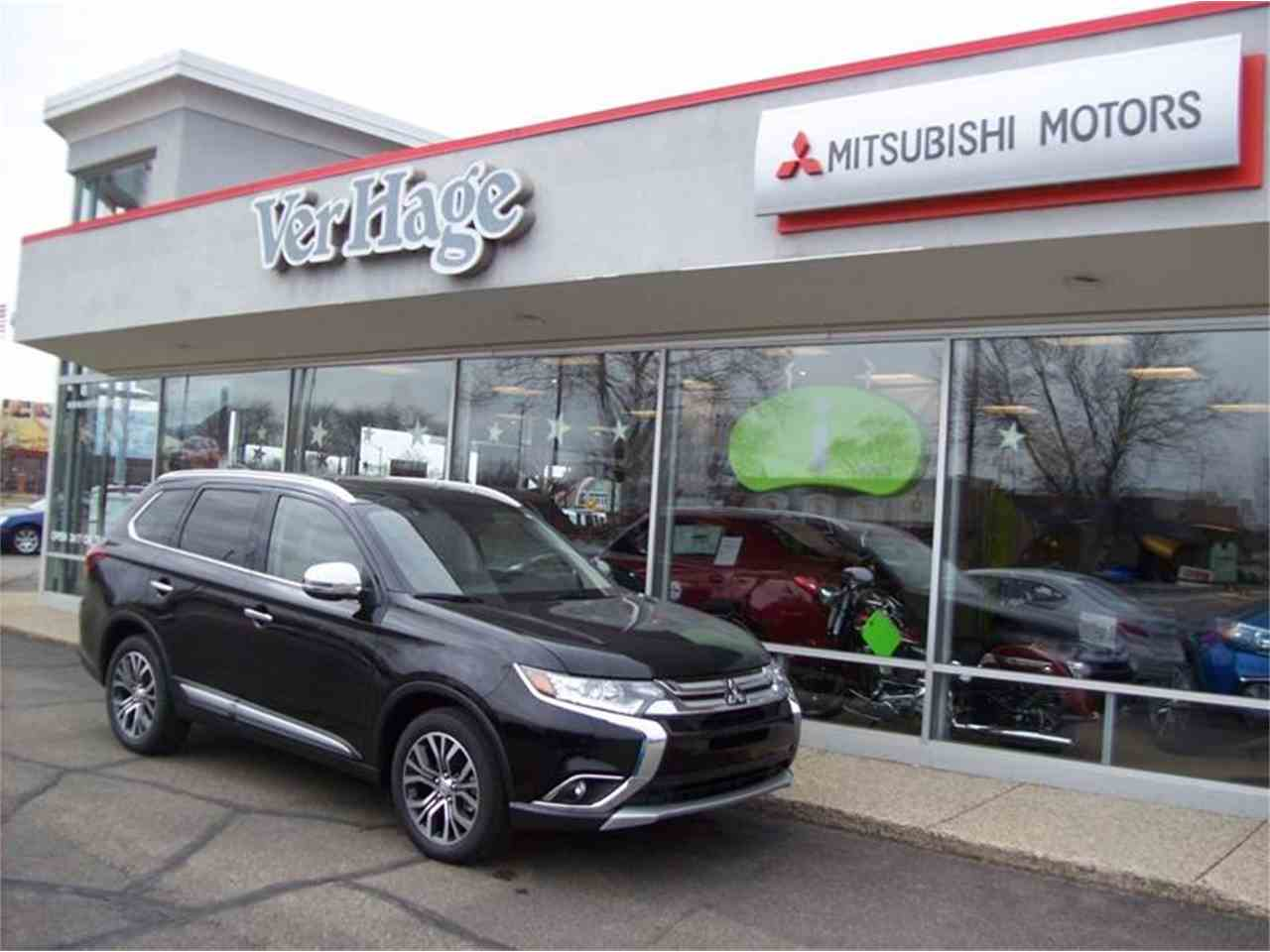 Large Picture of '17 Outlander located in Holland Michigan Offered by Verhage Mitsubishi - LVOC