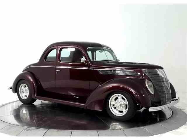 1937 Ford Custom | 1028432