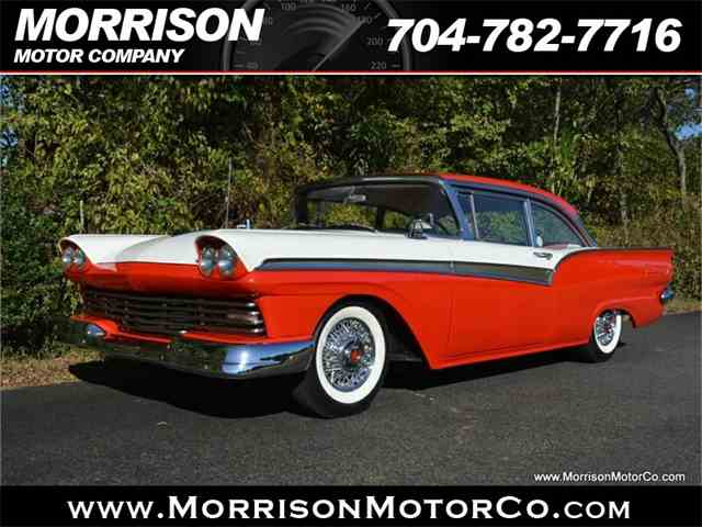 1957 Ford Fairlane 500 | 1028750