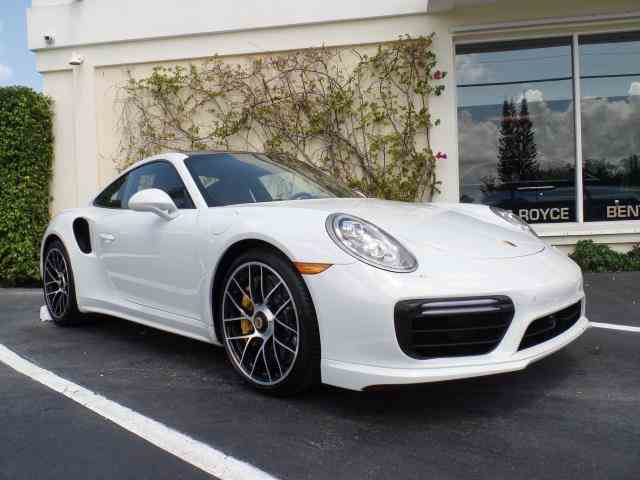 2017 Porsche 911 Turbo S Coupe | 1028925