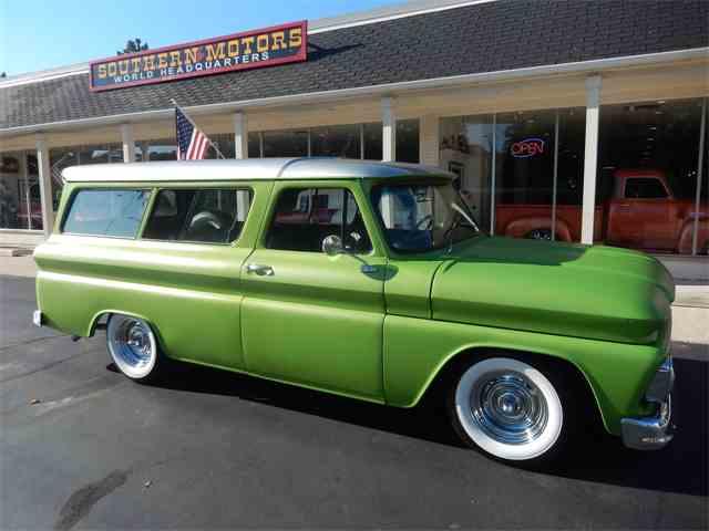 1965 Chevrolet Suburban | 1028952