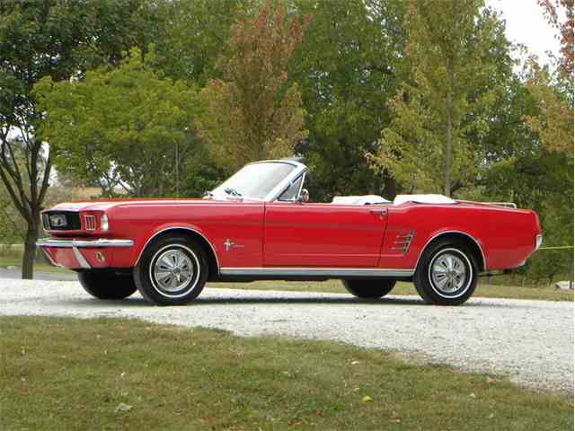 1966 Ford Mustang   1029179