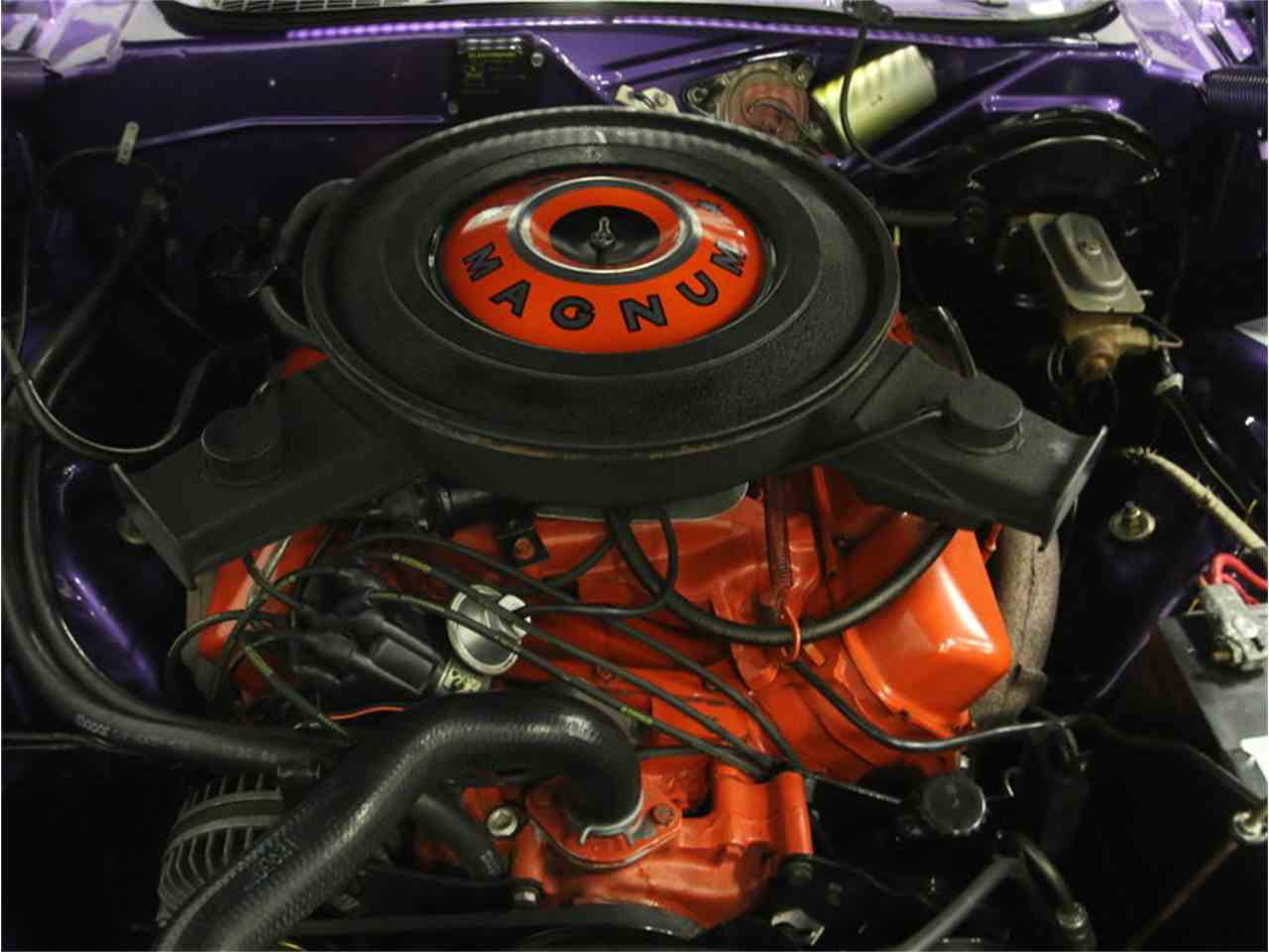 Large Picture of '70 Dodge Challenger R/T - M29Z