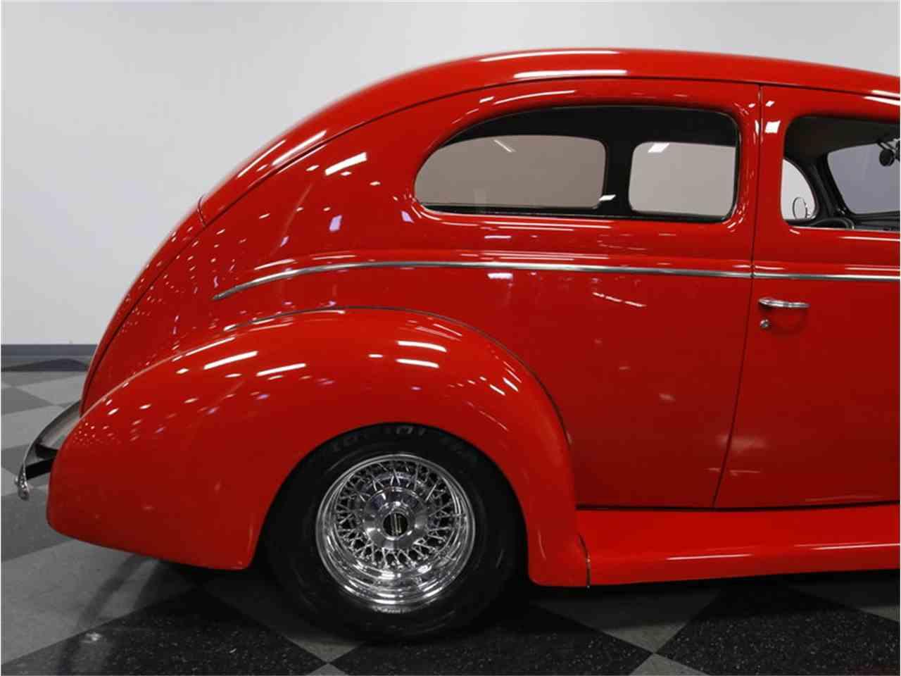 Large Picture of '39 2-Dr Sedan - LVRF