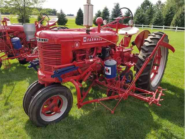 1947 International H with Planter | 1029414
