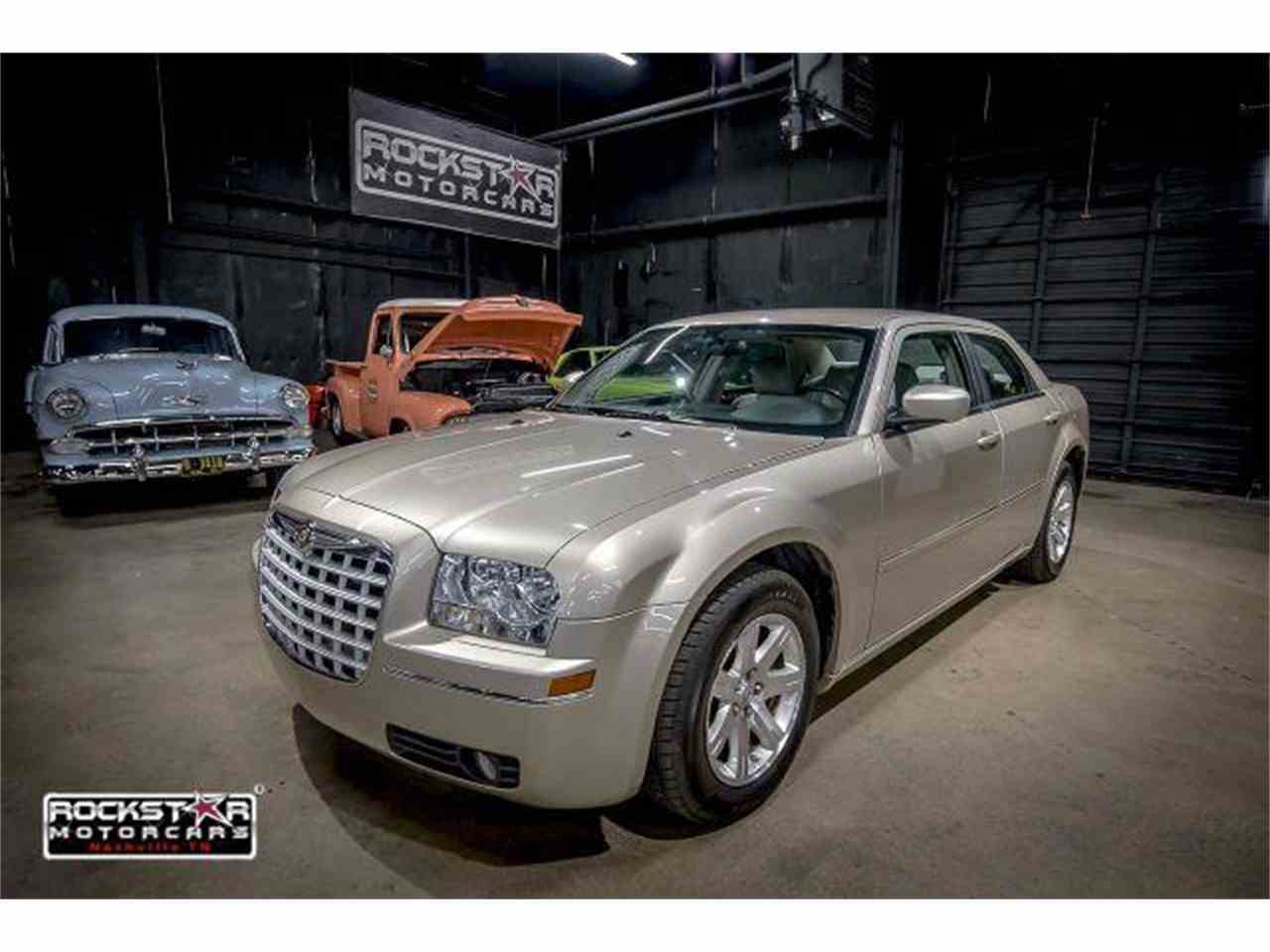 Large Picture of '06 Chrysler 300 located in Nashville Tennessee - $6,999.00 Offered by Rockstar Motorcars - M2DZ