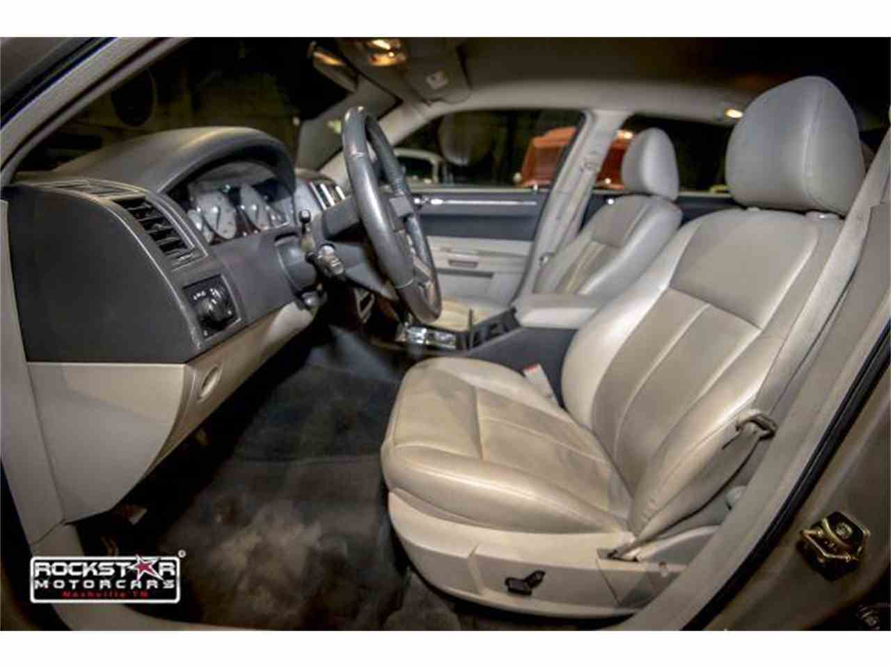 Large Picture of 2006 Chrysler 300 located in Tennessee - $6,999.00 - M2DZ