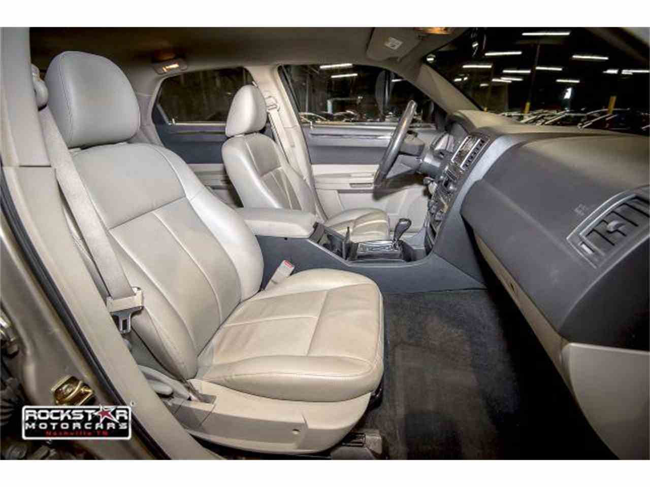Large Picture of '06 Chrysler 300 - M2DZ