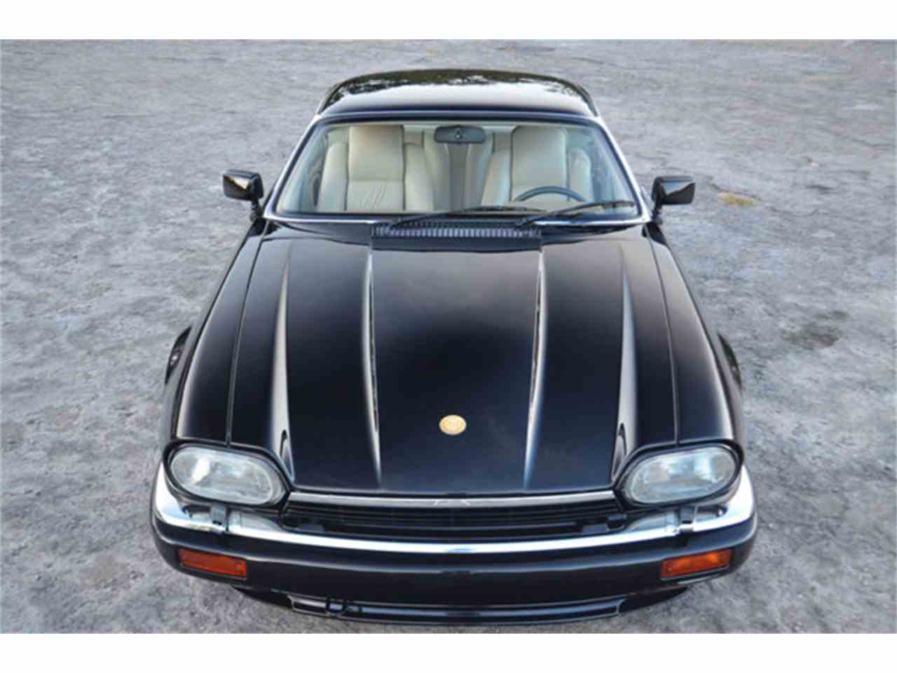 Large Picture of 1994 XJS located in Lebanon Tennessee - M2J7