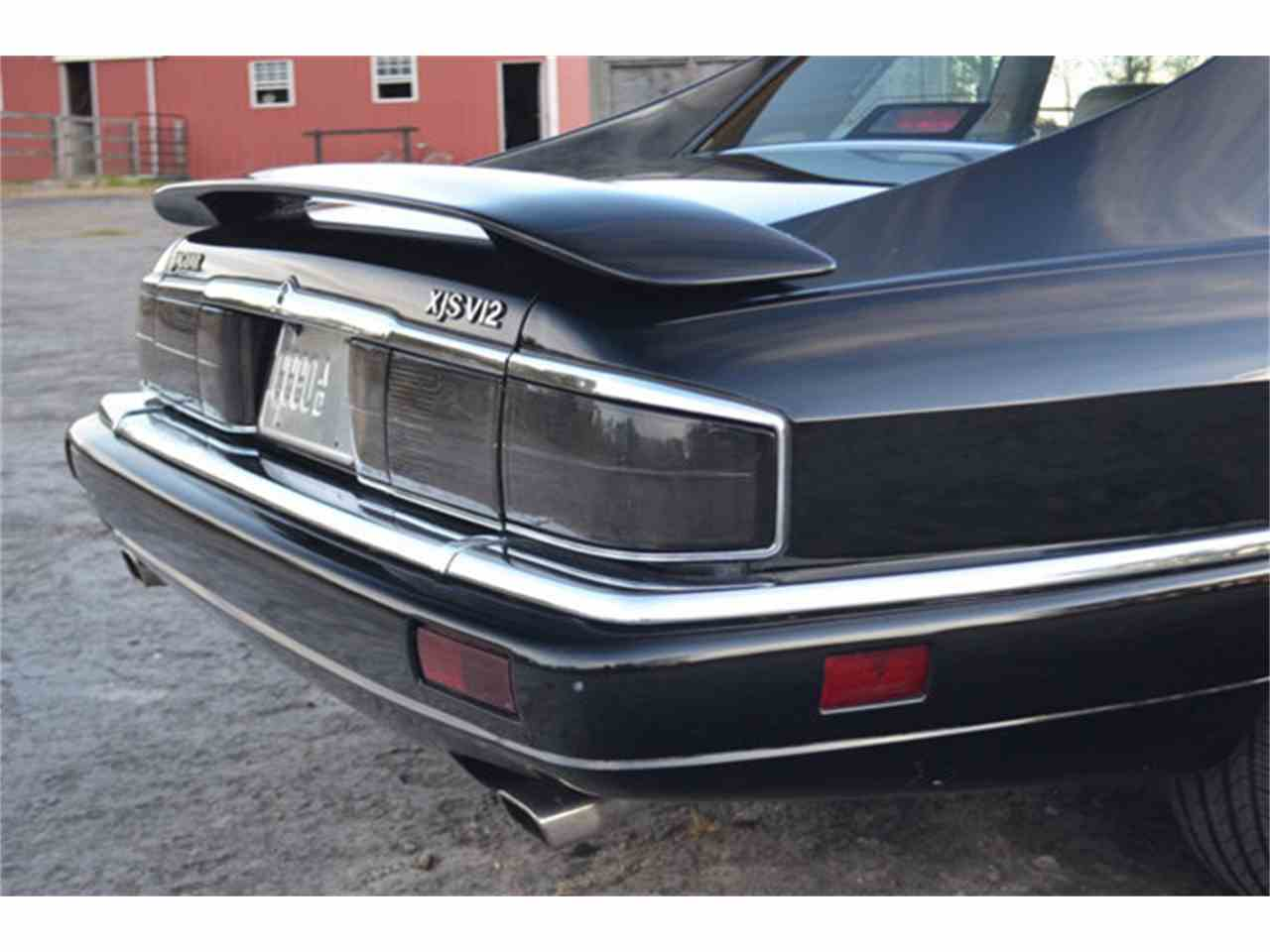 Large Picture of 1994 Jaguar XJS located in Lebanon Tennessee - M2J7