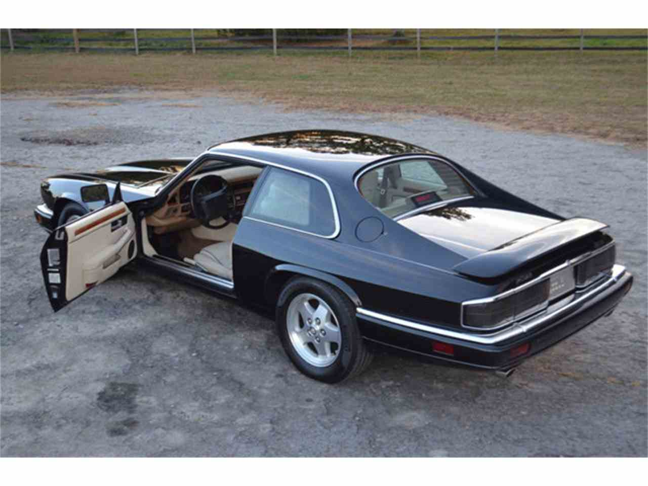 Large Picture of '94 Jaguar XJS Offered by Frazier Motor Car Company - M2J7