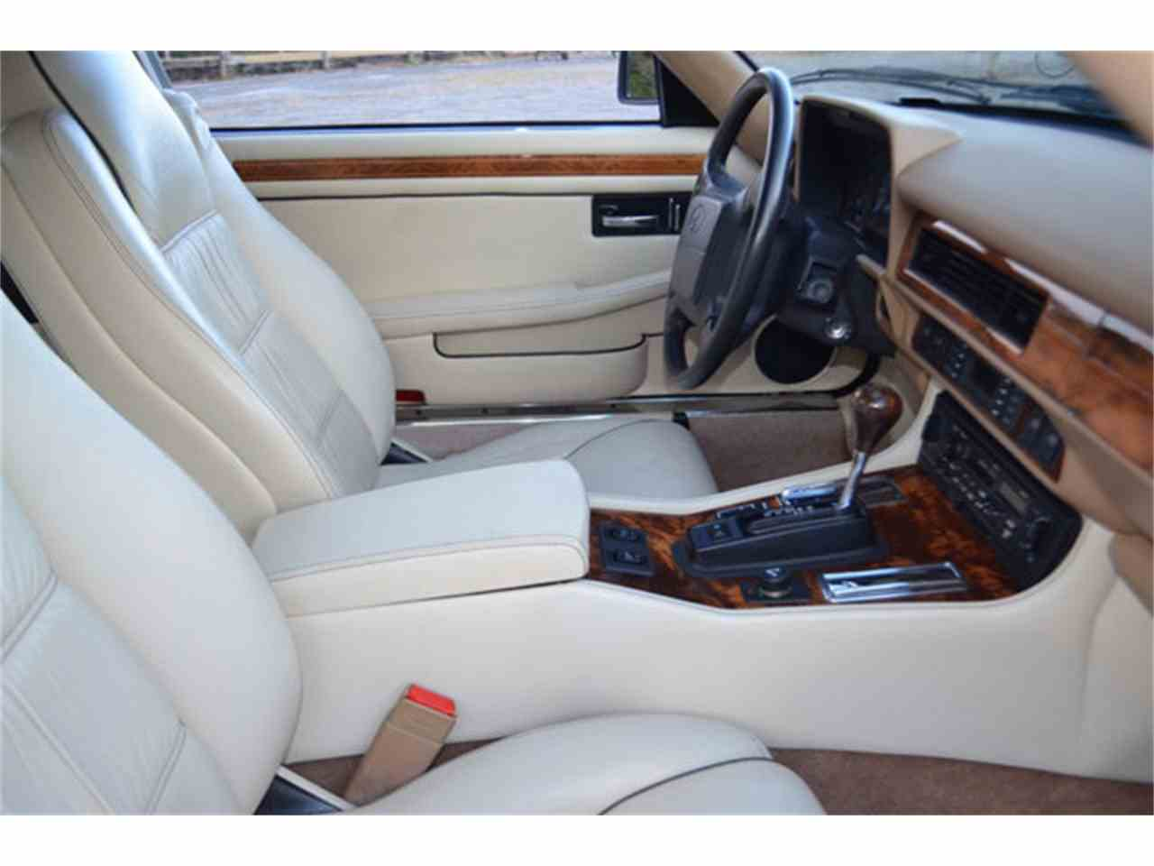 Large Picture of 1994 Jaguar XJS located in Tennessee - $19,800.00 Offered by Frazier Motor Car Company - M2J7