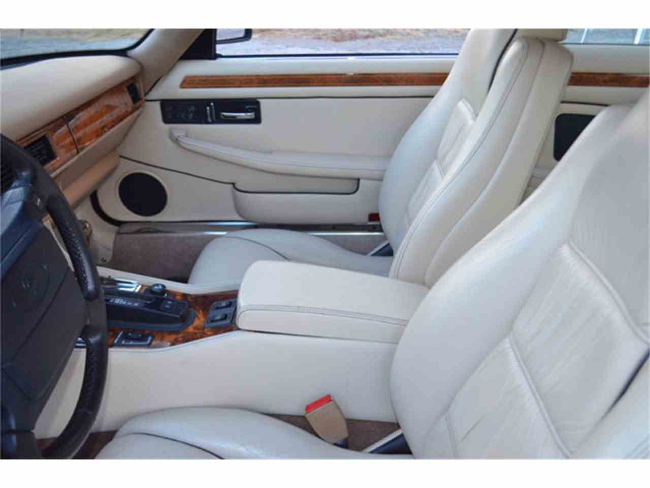 Large Picture of 1994 XJS located in Tennessee Offered by Frazier Motor Car Company - M2J7