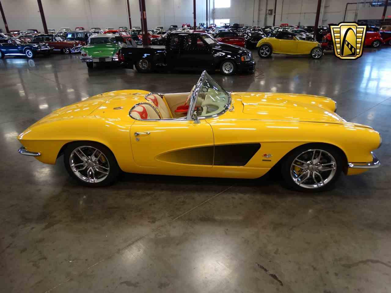 Large Picture of 1962 Corvette - M2LR