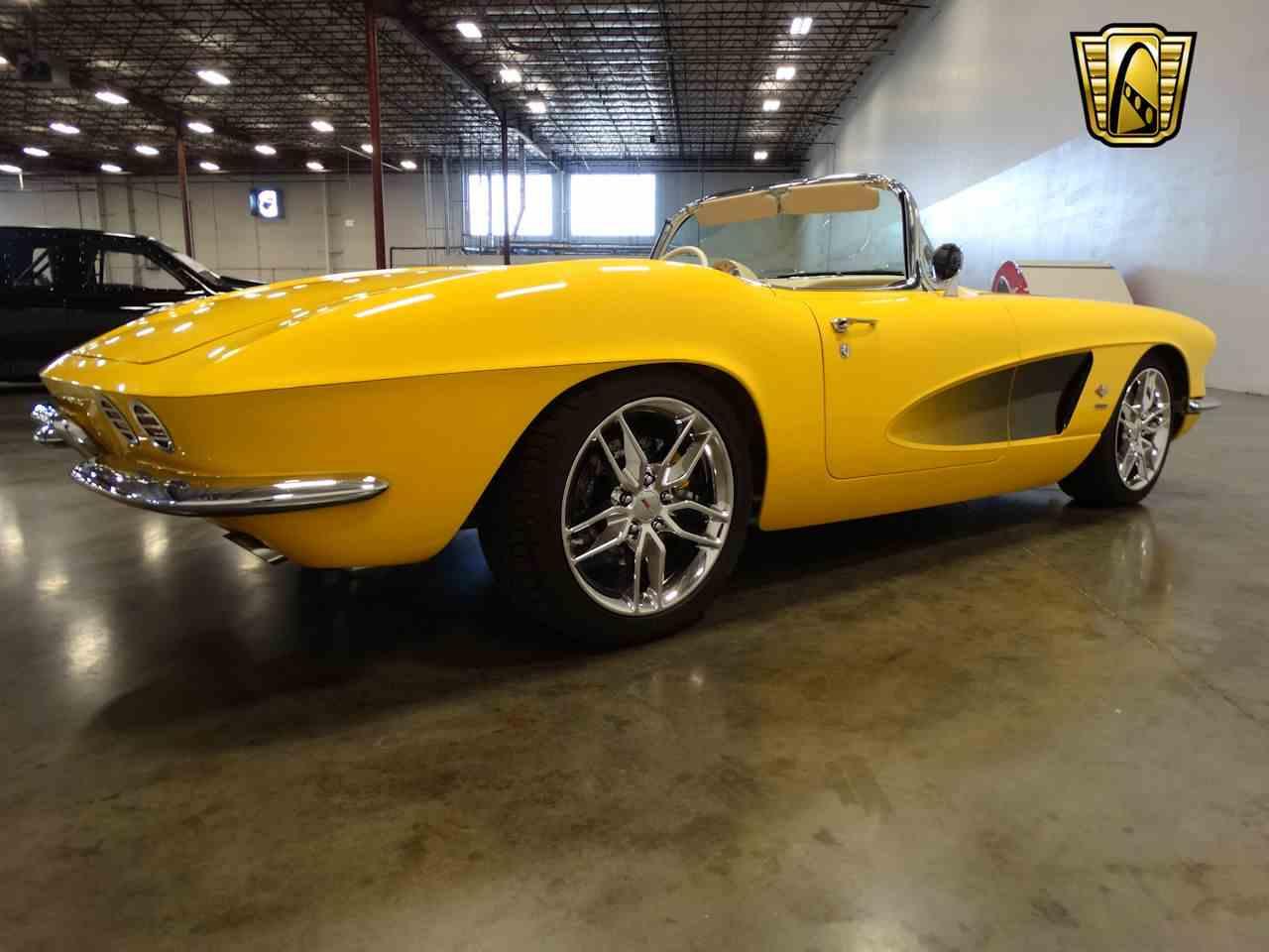 Large Picture of Classic 1962 Corvette - M2LR